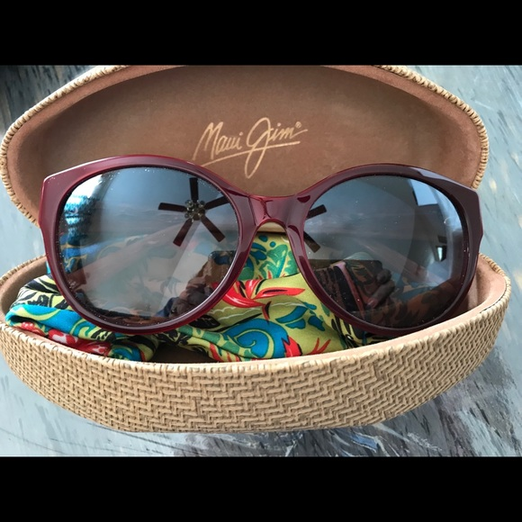 104c93e6d1a Maui Jim Venus Pools sunglasses. M 5a777a4c8af1c5def9467210
